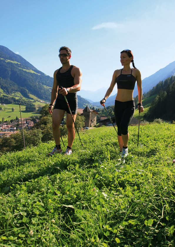 nordic walking aktivurlaub s dtirol hotel saltauserhof hotel saltaus meran passeier. Black Bedroom Furniture Sets. Home Design Ideas